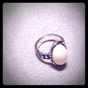 Jewelry - Silver White Stone Ring